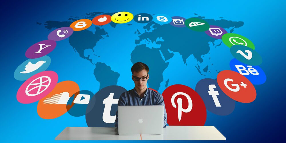 How to Social Media to Improve Customer Service